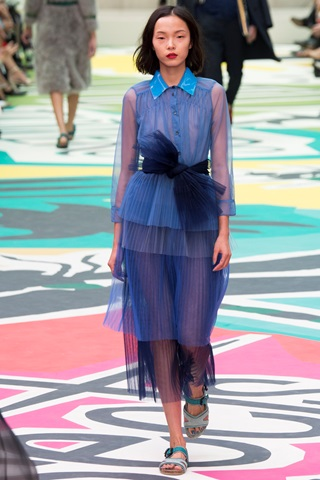 LFW, THELADYCRACY, ELISA BELLINO, PAILLETTES, TULLE DRESS, PINK TULLE, BURBERRY PRORSUM, SUMMER TRENDS 2015,