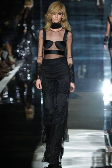 tom-ford-londra,tom-ford-donna, TOTAL BLACK OUTFIT, LFW, THELADYCRACY, ELISA BELLINO, PAILLETTES,