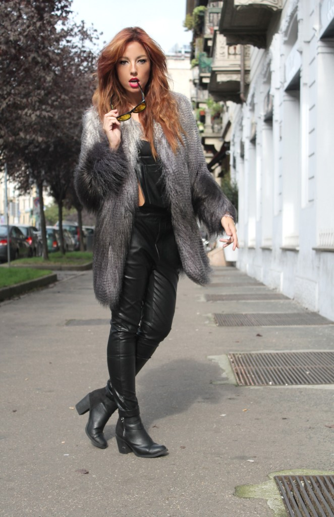pulp fiction, pulp style, mia wallace, elisa bellino, theladycracy, salopette pelle nera, flully coat, seventies style, red hair, manila grace, ootd, outfit of the day, fashion bloggers milano, fashion blog italy,