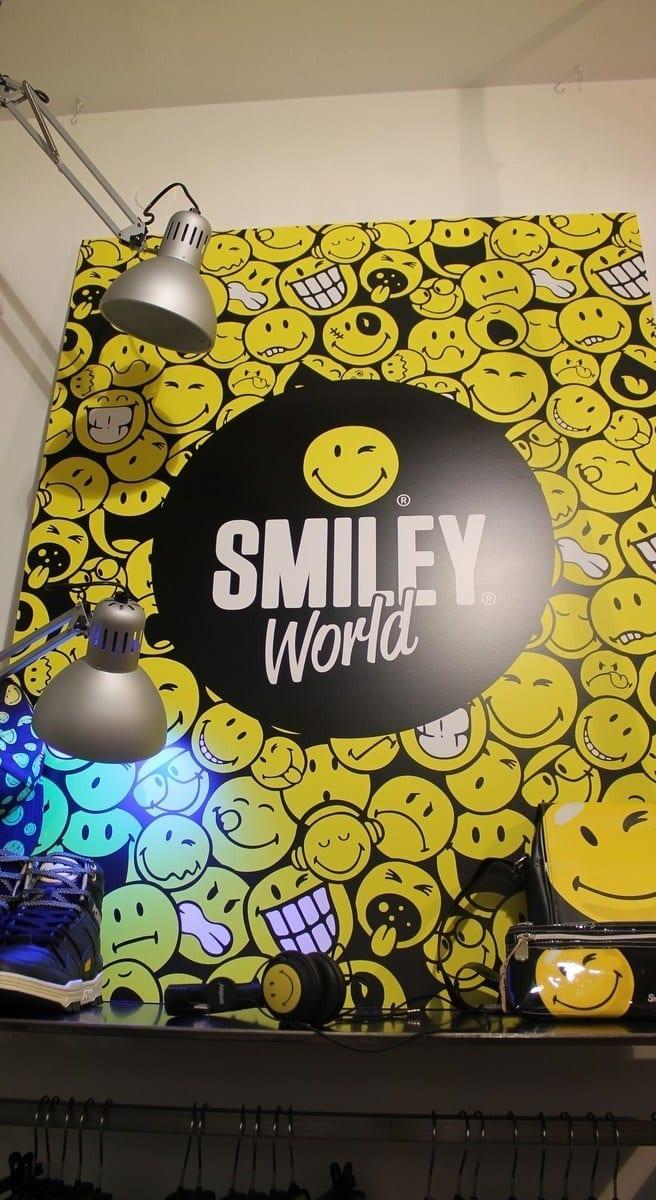 ProBeat-agency-Eastpack-Smiley-Kontatto-LE-coq-sportif-.-2, smiley world,probeat agency, elisa bellino, fashion, pressa day, havajanas, kontatto collezione, smile, marcelo burlon, eastpack