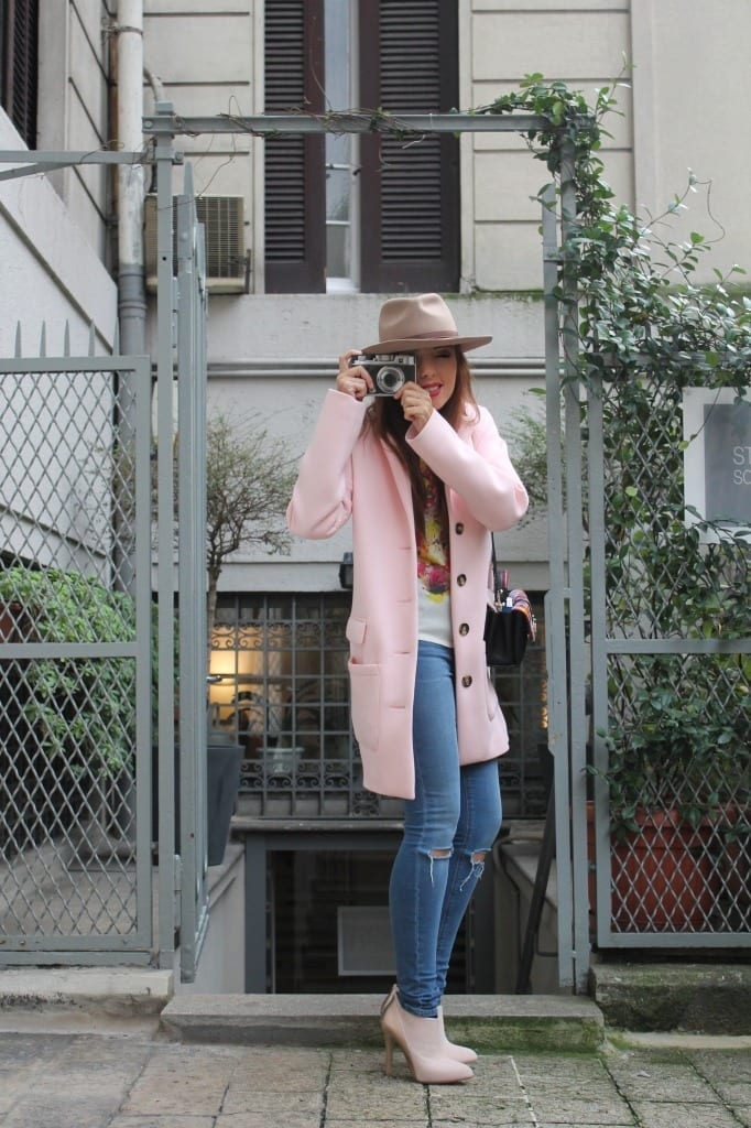 fashion editorial,, bellino, theladycracy, fashion blogzine, fashion blog milano, outfit of the day, outfit milano, pink coat, hat accessorize, paula cademartori bag, dun dun paula cademartori, petit faye, fall winter paula cademartori, red hair, choies blouse, erica vagliengo, milano bloggers, best fashion blog, giorgio armani, mfw 2015, boselli mario, anna wintour, trends alerts, stivaletto rosa, cappotto pastello, cappotto rosa, sarenza shoes, skinny jeans, asos jeans, good morning fashion, fashion breakfast