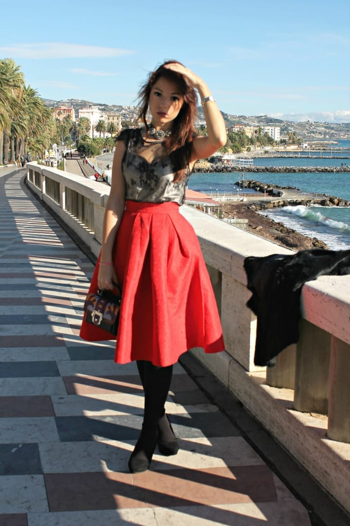 ELISA BELLINO www.theladycracy.it 17,ELISA BELLINO www.theladycracy.it 2, red skirt choies, fur compagnia italiana, top intimissimi, shoes stradivarius, bag dun dun paula cademartori,fashion editorial