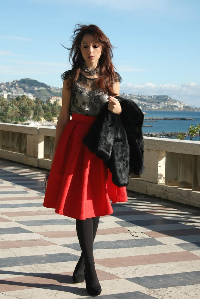 fashion editoria,l Elisa BELLINO www.theladycracy.it 4,ELISA BELLINO www.theladycracy.it 2, red skirt choies, fur compagnia italiana, top intimissimi, shoes stradivarius, bag dun dun paula cademartori,