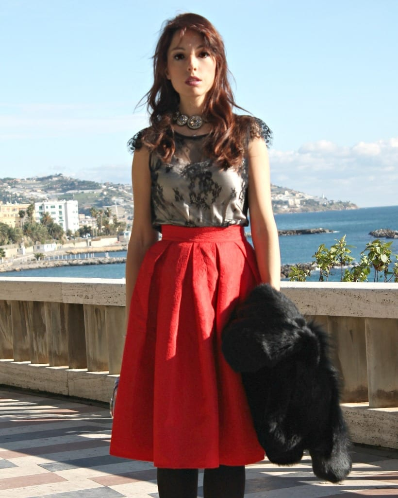 elisa bellino outfit, www.theladycracy.it, red skirt, intimissimi top, compagnia italiana, fashion editorial