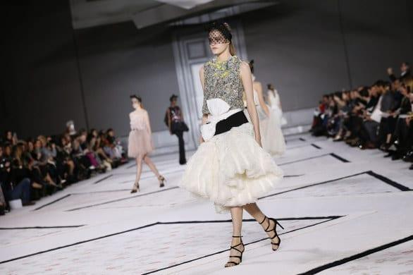 FASHION-FRANCE-GIAMBATTISTA-VALLI,paris haute couture, fashion news, best fashion dress 2015, luxury dress, giambattista valli haute couture ss 2015, www.theladycracy.it
