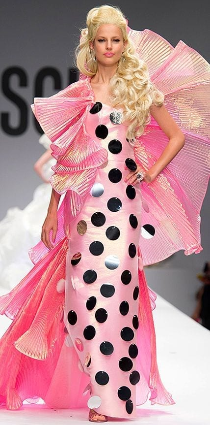 baby pink moschino 2015,tendenze estate 2015, elisa bellino, theladycracy.it, fashion blog italia, fashion blogger italia, best fashion blogger italy, gucci trench ss 2015,fashion trends ss 2015, tendenze primavera estate 2015, must have 2015, elisa bellino, theladycracy.it ,fashionblog milano