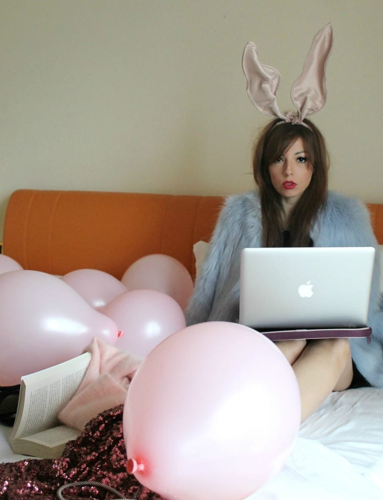elisa bellino, motivi made on me, little black dress,lloyd baia vietri, luca barra, pink ballons, www.theladycracy.it, bunny ears,
