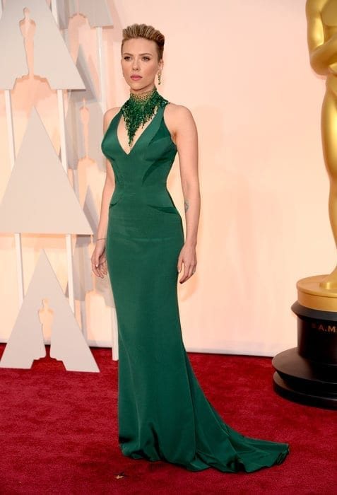 scarlettjohansson-oscar2015, versace,theladycracy.it , vestiti da red carpet, the worst dressed , celebrity style, oscar 2015 dresses,
