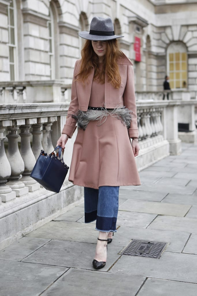 come ci si veste durante la fashion week, fur trend, street style, biker boots, elisa bellino, theladycracy.it, mfw 2015, pink coat