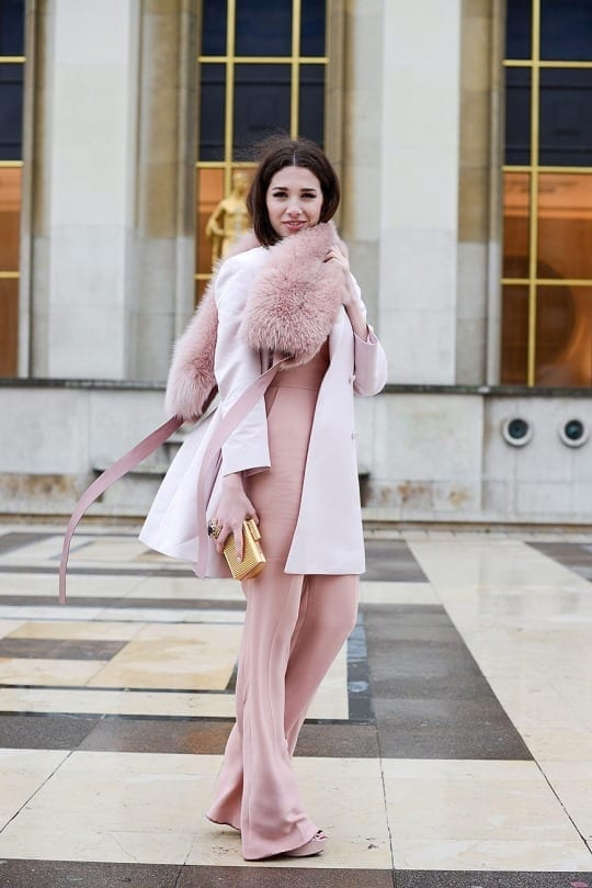 come ci si veste durante la fashion week, fur trend, street style, biker boots, elisa bellino, theladycracy.it, mfw 2015,  pink pastel look,