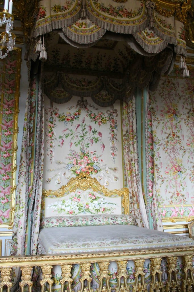 letto di maria antonietta,Versailles, Marie Antoniette, Sofia Coppola, Dior secret garden rihanna, maria antonietta frasi, fashion inspirations, breaking news, fashion news, theladycracy.it, elisa bellino