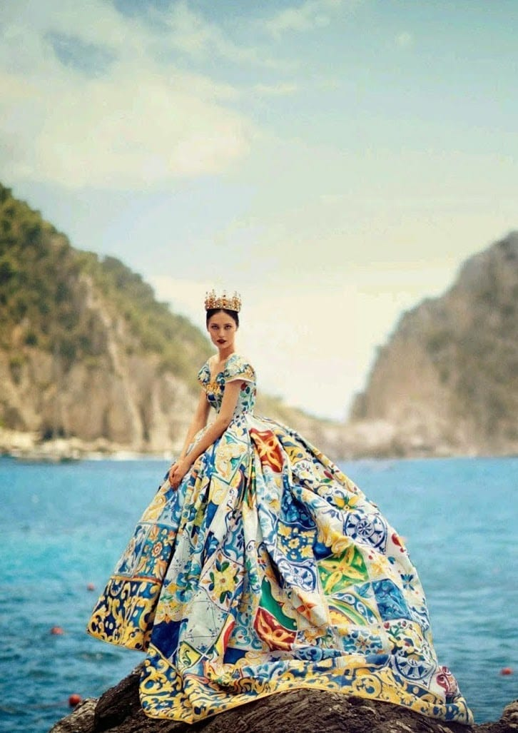 dolce e gabbana,elton john, dolce e gabbana fecondazione assistita, dolce e gabbana scandalo, boycottdolcegabbana, theladycracy.it, elisa bellino, fashion news, fashion magazine, fashionblogzine , d&g