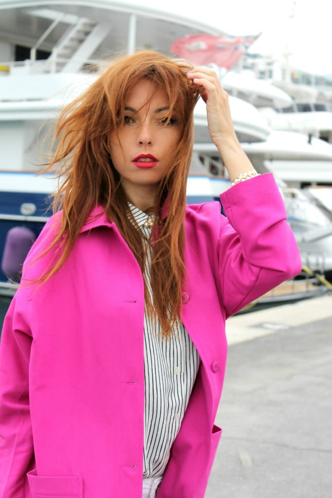 elisa bellino, theladycracy.it, fashion editorial, fashion outfit, fashion week, marketing relazionale, fucsia coat asos, mango look, white pants, stripes blouse, valentino rockstud