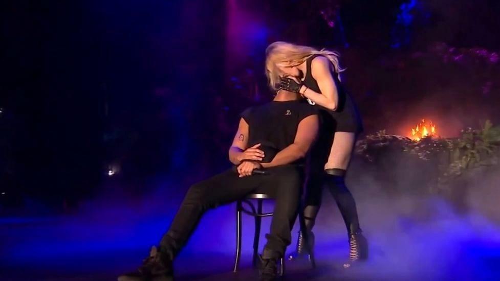 madonna e drake bacio, coachella 2015