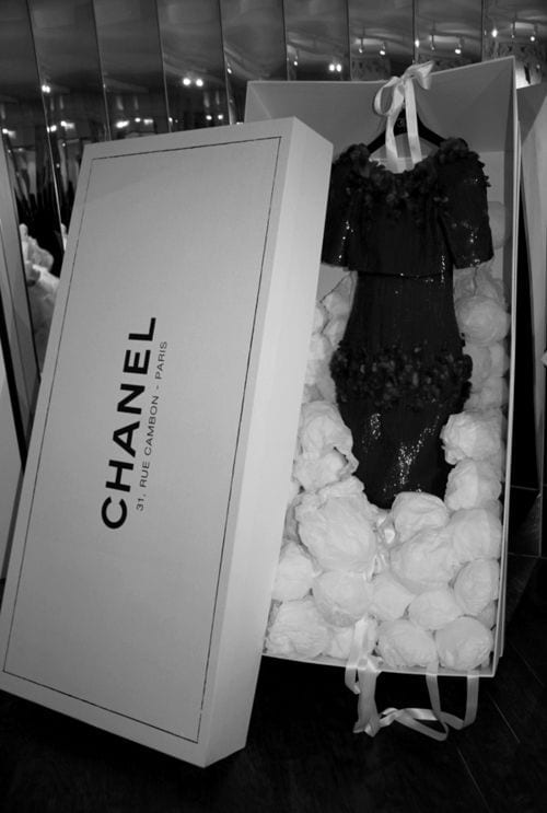 made to measure business, Chanel dress, chanel packaging,customizzare, fashion news, fashion radar, fashion trends