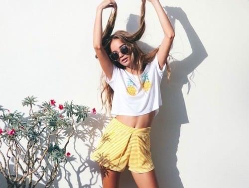 come abbinare il giallo, yellow shorts, theladycracy.it