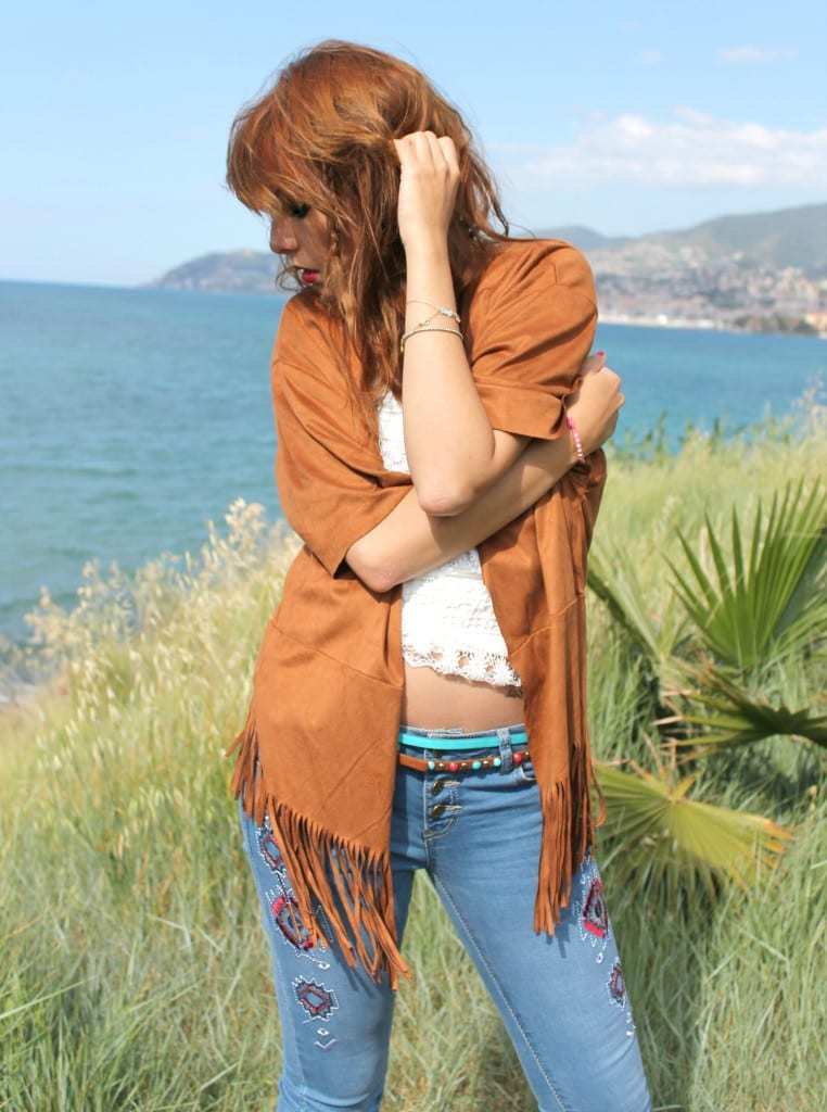 hippie style fringe jacket flare denim boho outfit theladycracy.it  18