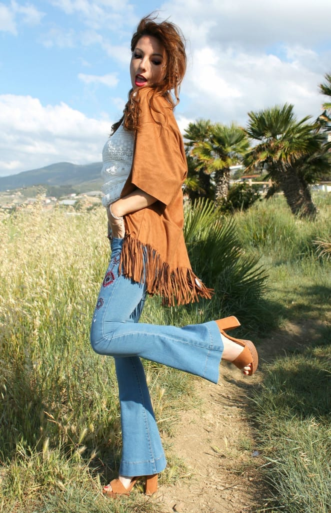 hippie style fringe jacket flare denim boho outfit theladycracy.it  6