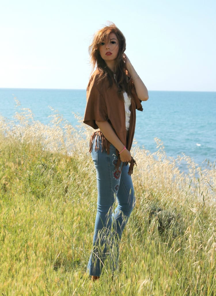 hippie style fringe jacket flare denim boho outfit theladycracy.it  9