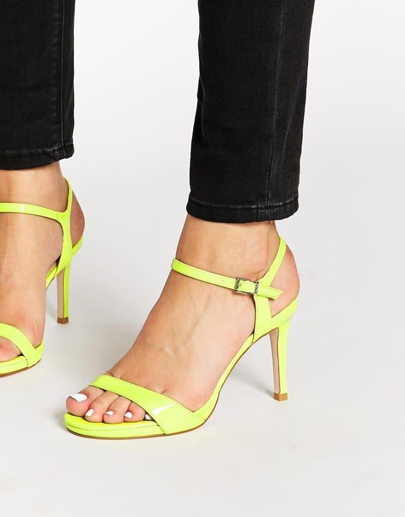 cosa comprare su asos, fashion blog italia, theladycracy.it, elisa bellino, fluo sandals asos, fashion blogger italia, best fashion blog italy
