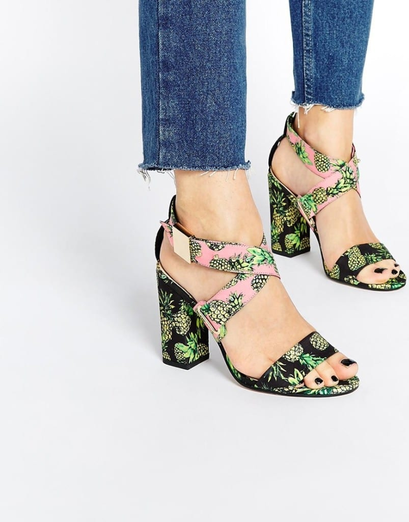 cosa comprare su asos, fashion blog italia, theladycracy.it, elisa bellino, pinapple sandals asos, best fashion blogger italy