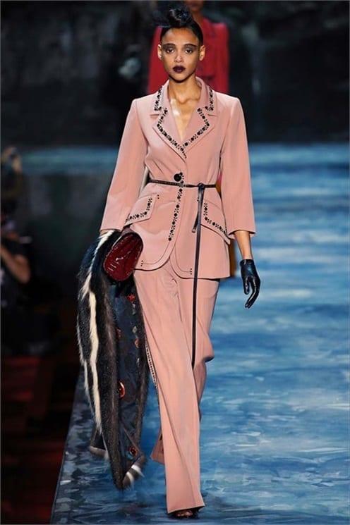 come vestirsi bene in autunno inverno 2015, tailleur rosa, fashion blogger italia, theladycracy.it, elisa bellino, fashion blogger italia