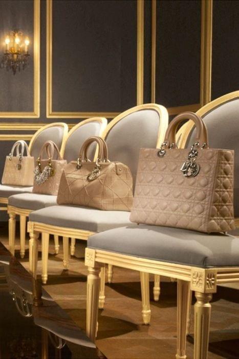 lusso e borse, theladycracy.it, accessorizing, elisa bellino, fashion blogger italia, fashion blog famosi, best fashion blogger italy, dior pastel bag