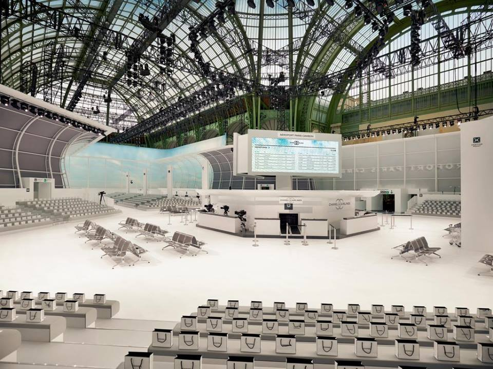 chanel sfilata 2016, theladycracy.it, elisa bellino, fashion blog italia, paris fashion week sfilate 2015, scenografia