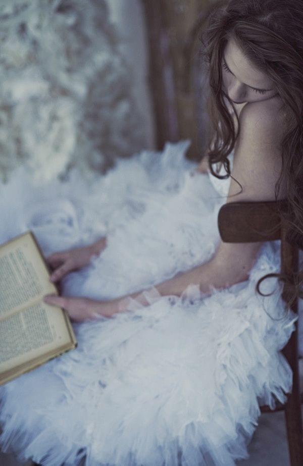 libri da leggere, theladycracy.it, elisa bellino, helene battaglia intervista, e all'improvviso sei arrivato tu, libri da comprare, libri consigliati