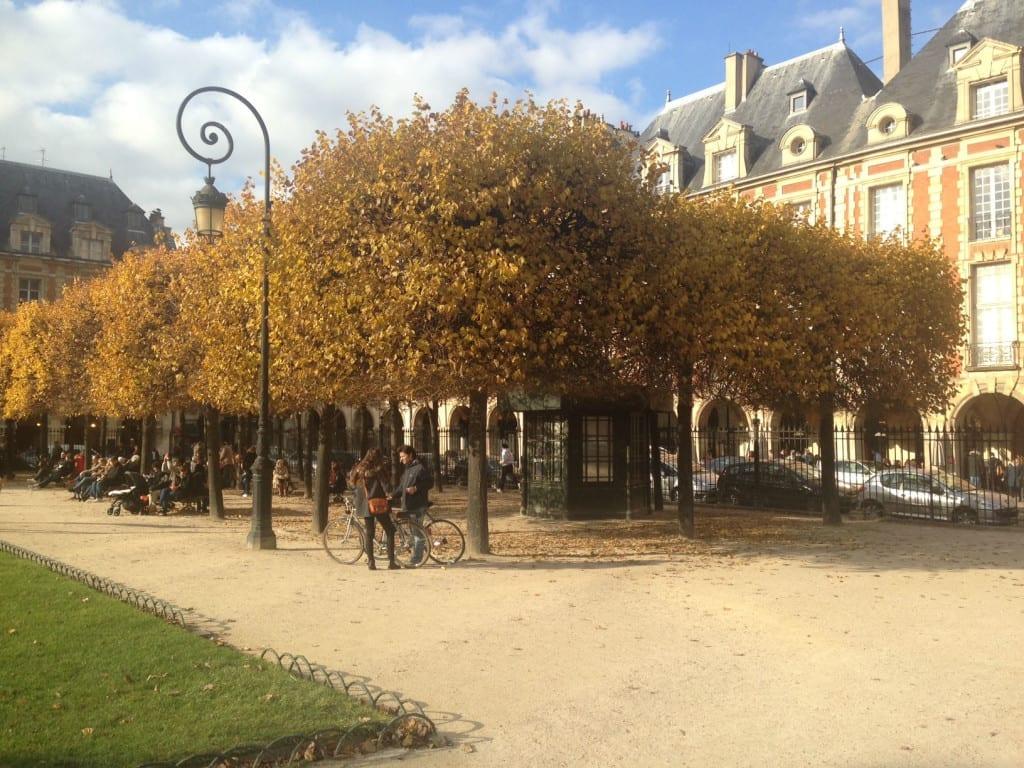 viaggio a parigi, cosa fare a parigi in tre giorni, cose da vedere a parigi, theladycracy.it, elisa bellino, fashion blog italia, place des vosges