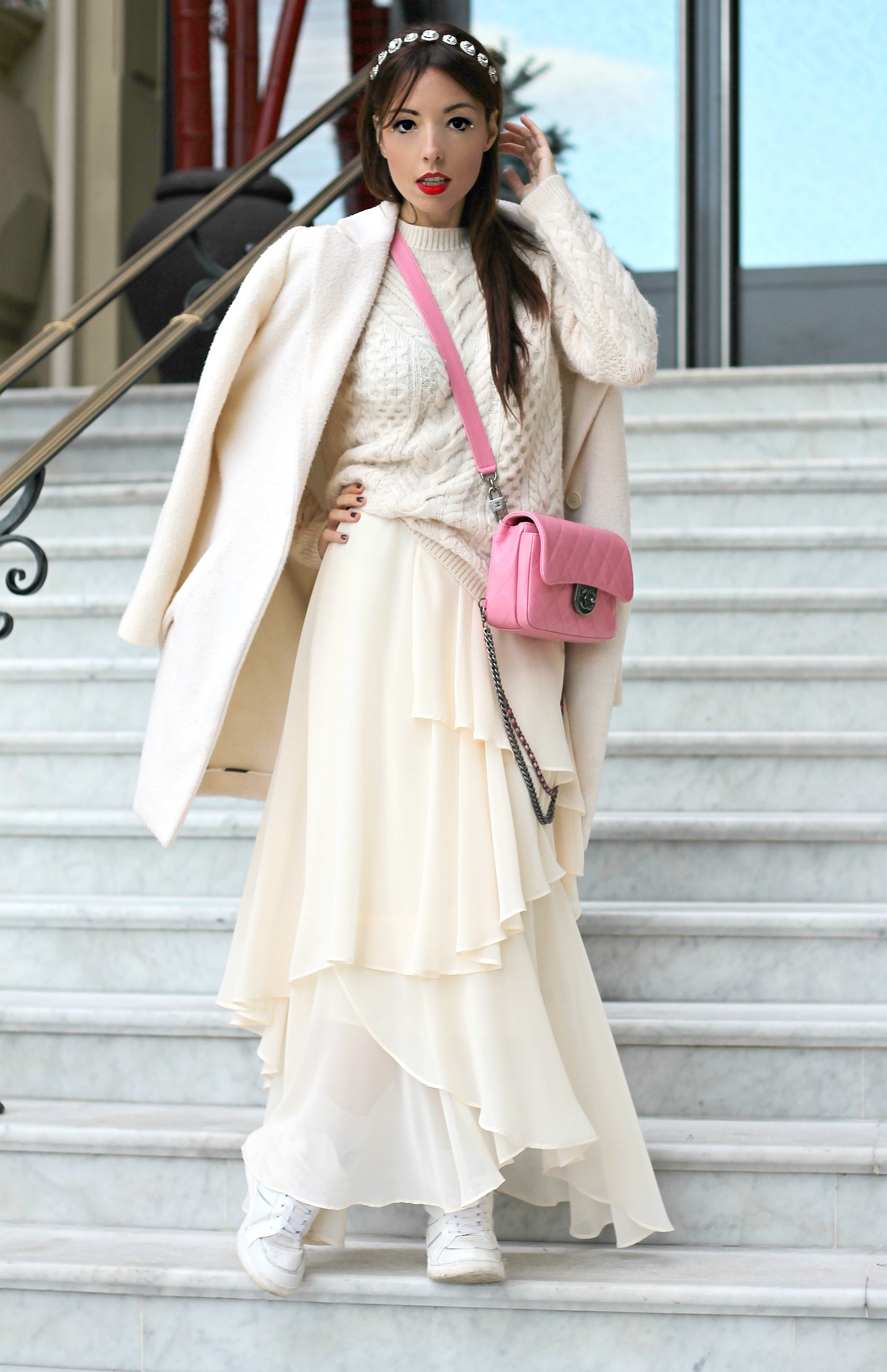 elisa bellino, theladycracy.it, fashin blogger famose, chanel borsa rosa,prospettive lavoro futuro, total white look, zarina outfit, chanel rosa borsa,