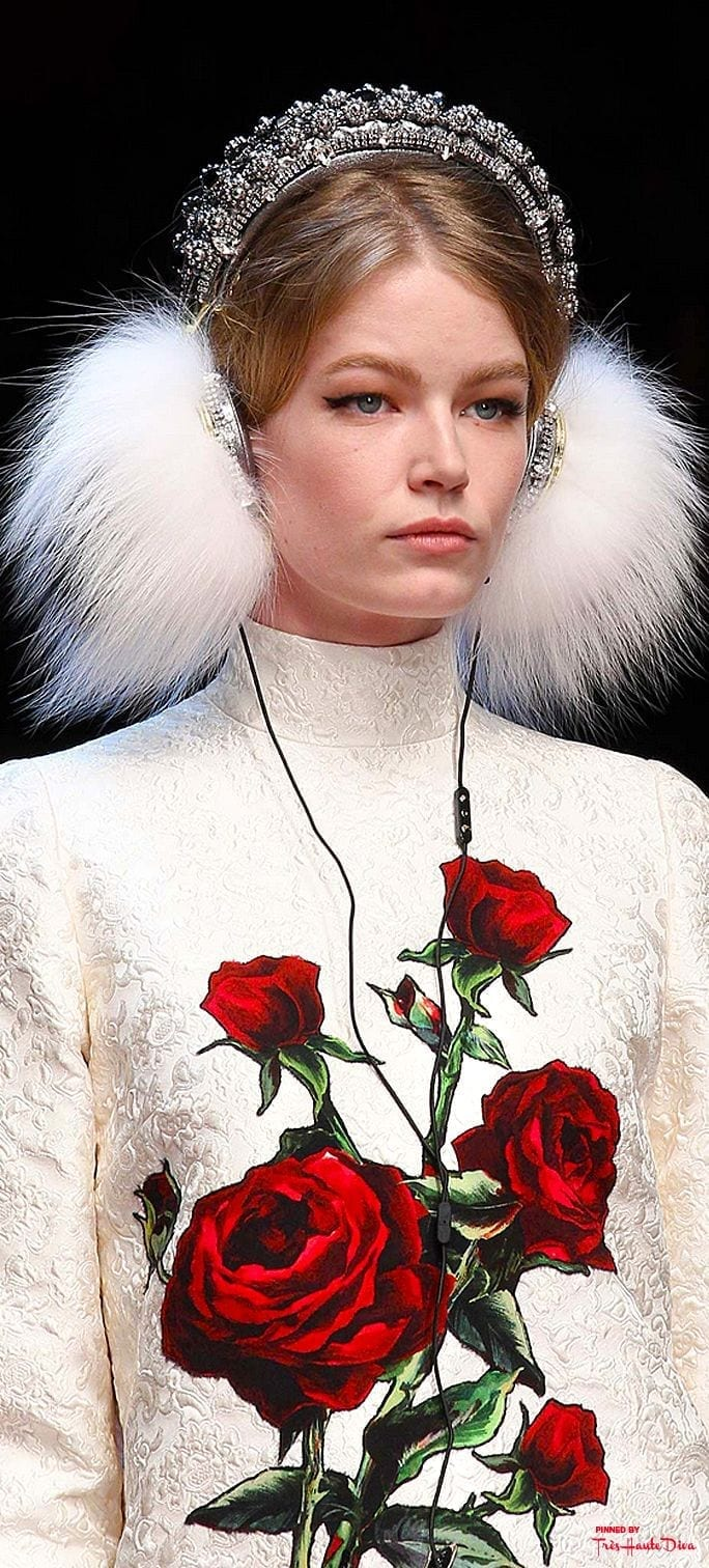 russian inspired fashion, theladycracy.it, elisa bellino, vestirsi come una zarina, fashion blog italia, dolce e gabbana fall 2015 cuffie pelo, fashion blogger inspirations