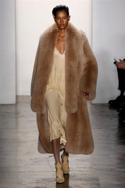 5 trend autunno inverno 2016, theladycracy.it, elisa bellino, dennis basso fall 2016, 5 trend autunno inverno 2016, theladycracy.it, elisa bellino, alice and olivia fall 2016, fashion blog italia, fashion blogger italiane, cosa andrà di moda il prossimo autunno