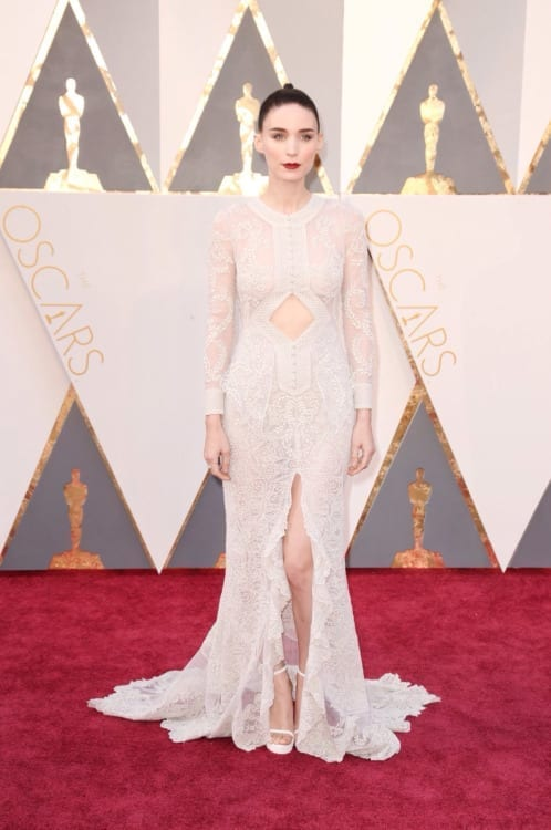 Rooney Mara in Givenchy Haute Couture by Riccardo Tisci, abiti oscar 2016,abiti oscar 2016, theladycracy.it, fashion blog, fashion blogger italiane, fashion blogger italia, fashion blog italia, oscar 2016 best dressed