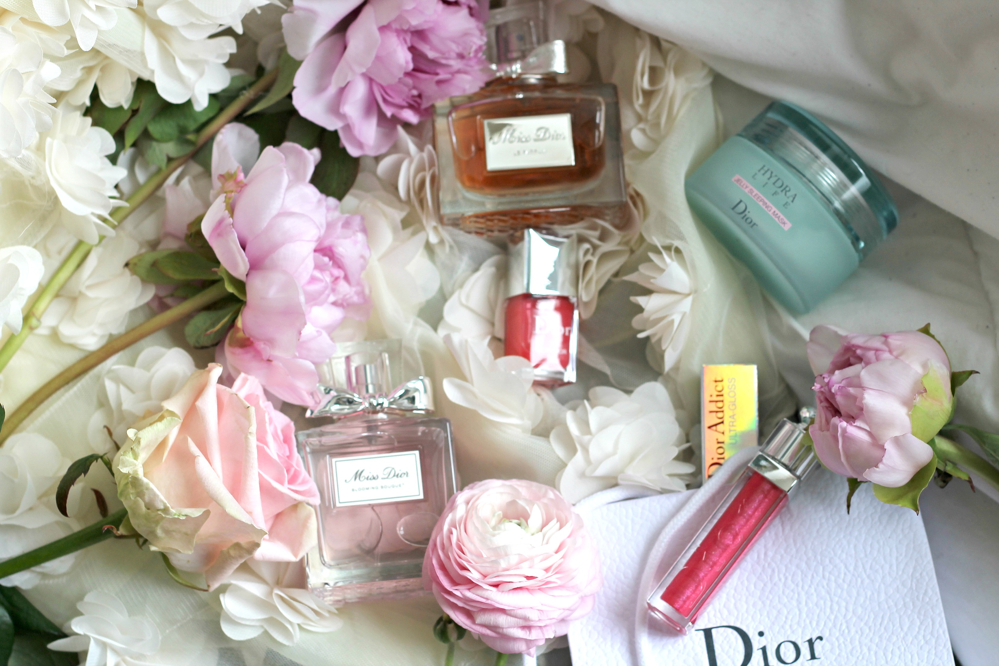 Miss dior profumo, miss dior parfum blooming bouquet, dior gloss ultra-dior, collezione dior beauty primavera estate 2016, dior le vernis primavera estate 2016, profumi più buoni 2016, profumi donna più buoni primavera estate 2016, milky dots dior, elisa bellino, theladycracy.it, elisa bellino, fashion bloggers, fashion blog, fashion blogger italia 2016, fashion blogger famose, dior ultra gloss 2016, gonna fiori asos, outfit primavera estate 2016, tendenze primavera estate 2016,