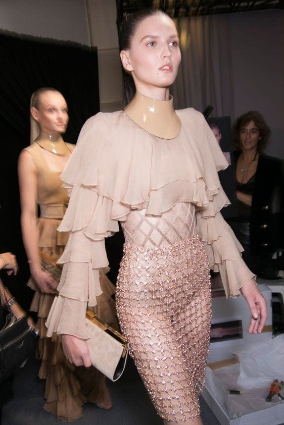 vestirsi di rosa, balmain ss 2016, vestirsi di rosa, tendenze moda primavera estate 2016, tendenze moda 2016, tendenze autunno inverno 2016, chanel, sfilata chanel 2016, tailleur chanel rosa, significato del colore rosa, elisa bellino, theladycracy.it, fashion blog italia, fashion blog, fashion blogger italiane,