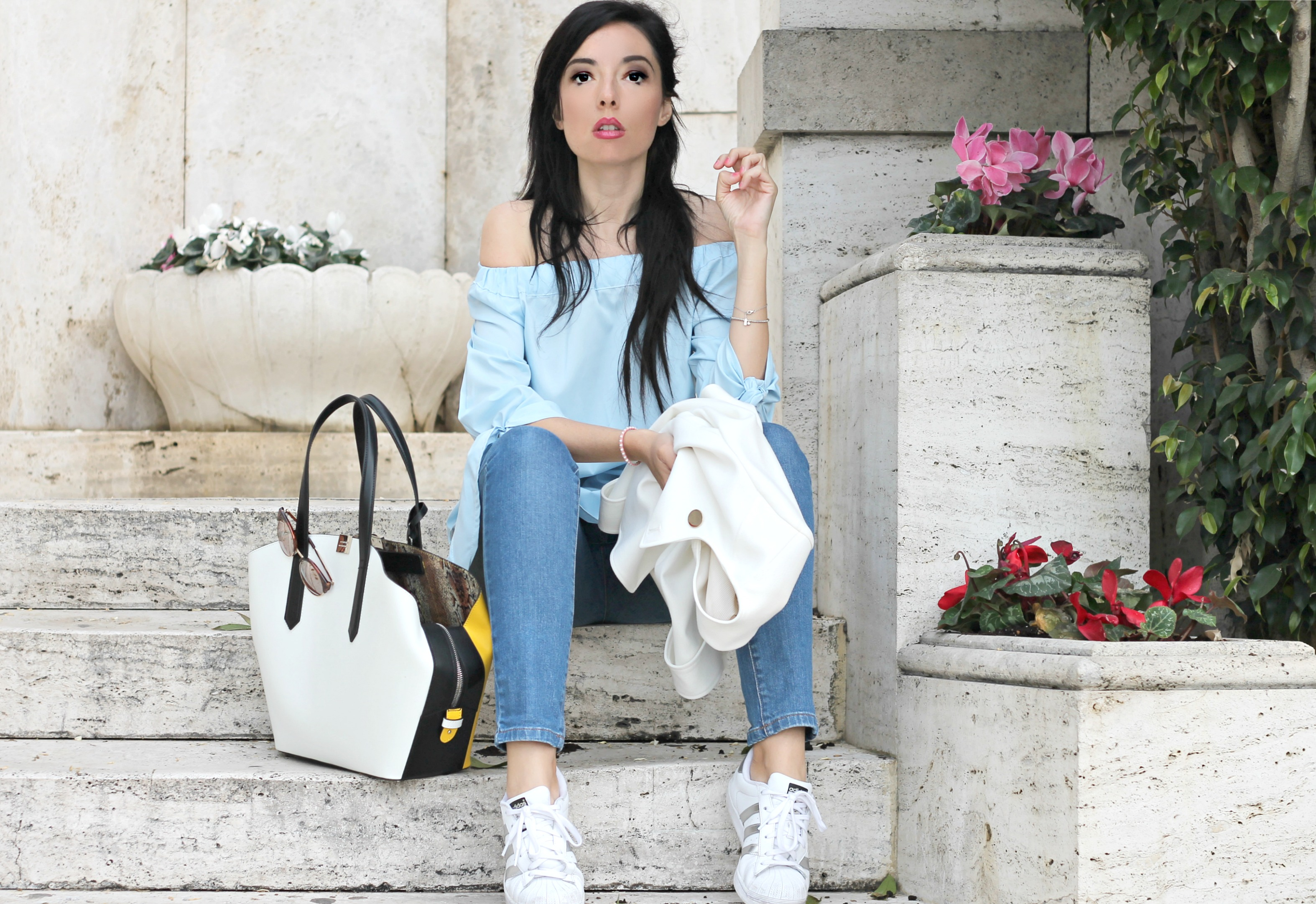 casual chic outfit, casual chic style blogger, elisa bellino, theladycracy.it, cromia bag, cromia borse ss 2016, adidas superstar outfit, spring summer 2016 outfit, fashion blogger italiane famose, fashion blogger famose, fashion bloggers, fashion blog, come vestirsi in primavera, tendenze moda primavera estate 2016, camicia spalle scoperte, off shoulder blouse ss 2016,