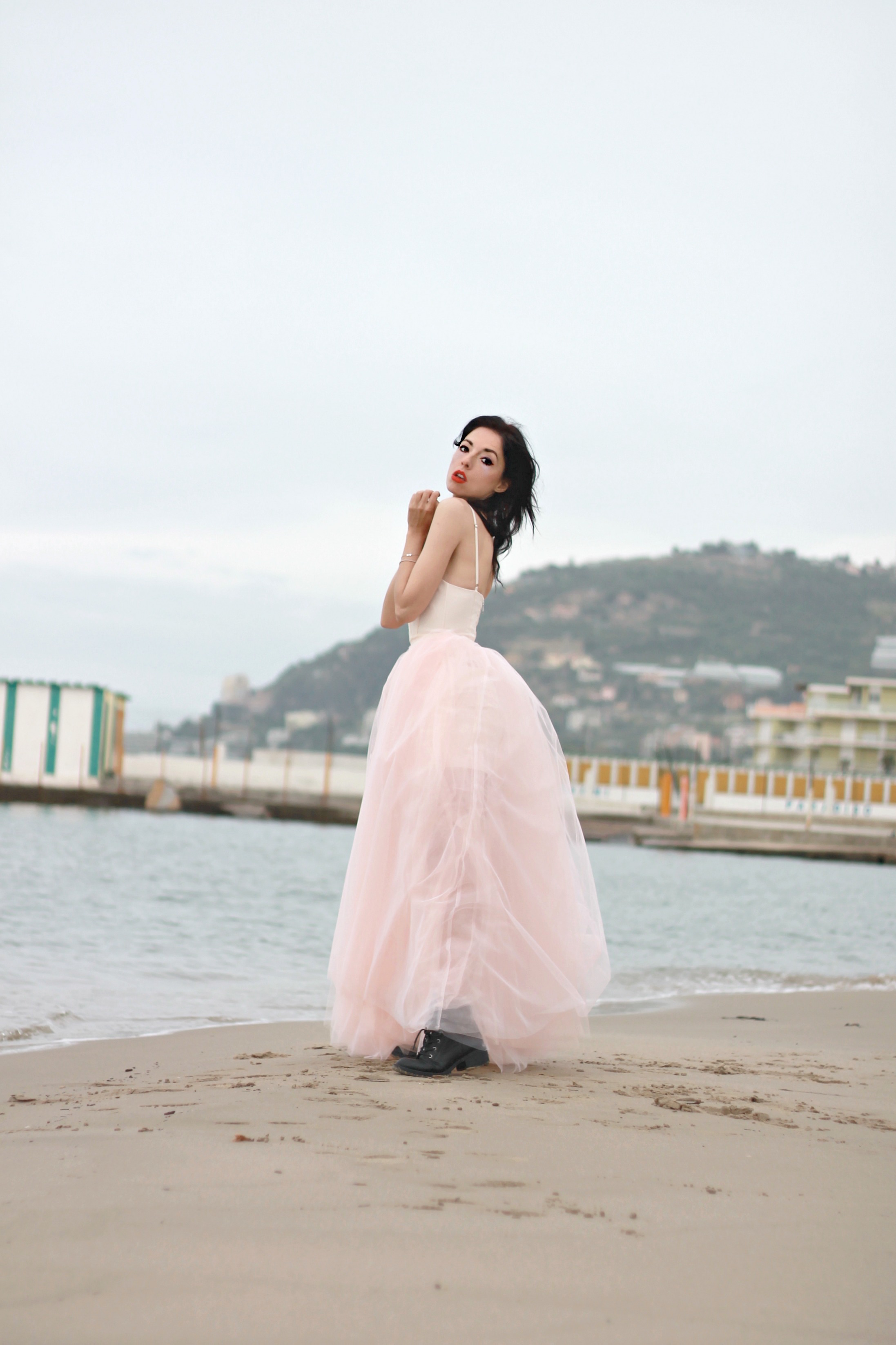 drogati di beauty, theladycracy.it, elisa bellino, fashion blog, fashion blogger 2016, fashion influencer, fashion blogger famose, fashion bloggers 2016, outfit blogger estate 2016, tendenze moda 2016, tulle pink dress, tulle abito rosa, fashion blogger italiane 2016, outfit blogger moda 2016, #lookls condé nast, fashion rental service trend 2016, fashion editorial, nastyl gal pink tulle dress, dreamy fashion editorial, fashion inspiring photography