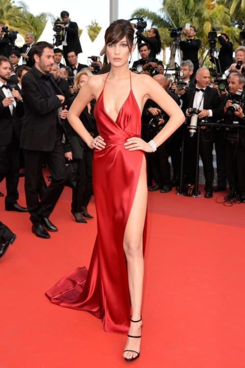 Bella Hadid cannes 2016, ciao povery, festival di cannes 2016, festival di cannes 2016 look più brutti, abiti festival di cannes 2016, theladycracy.it, elisa bellino, fashion blog 2016, fashion blogger italiane, fashion blogger famose, fashion blogger italia,