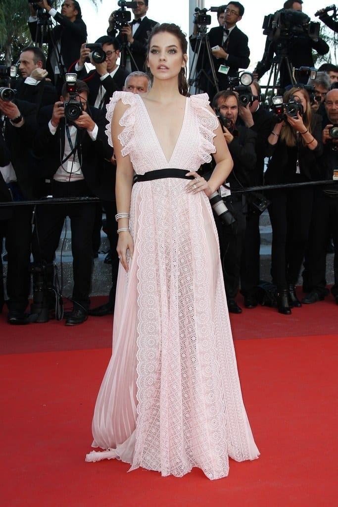 barbara palvin dress cannes 2016, ciao povery, festival di cannes 2016, festival di cannes 2016 look più brutti, abiti festival di cannes 2016, theladycracy.it, elisa bellino, fashion blog 2016, fashion blogger italiane, fashion blogger famose, fashion blogger italia,