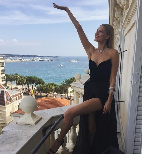 ciao povery, festival di cannes 2016, festival di cannes 2016 look più brutti, abiti festival di cannes 2016, theladycracy.it, elisa bellino, fashion blog 2016, fashion blogger italiane, fashion blogger famose, fashion blogger italia,