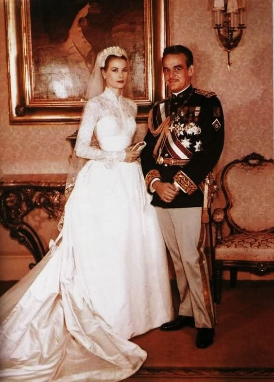 grace kelly wedding dress, abiti da sposa più belli di sempre, best weeding dress of ever, eleonora carisi sposa, eleonora carisi matrimonio, theladycracy.it, elisa bellino, fashion blog 2016, fashion blogger famose 2016, fashion blogger italia 2016, fashion blogger italiane, fashion bloggers 2016,
