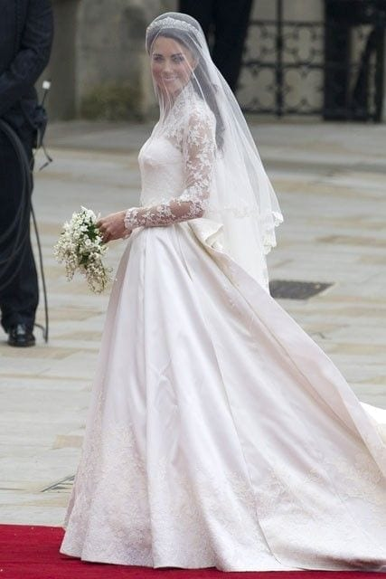 kate middleton wedding, abiti da sposa più belli di sempre, best weeding dress of ever, eleonora carisi sposa, eleonora carisi matrimonio, theladycracy.it, elisa bellino, fashion blog 2016, fashion blogger famose 2016, fashion blogger italia 2016, fashion blogger italiane, fashion bloggers 2016,