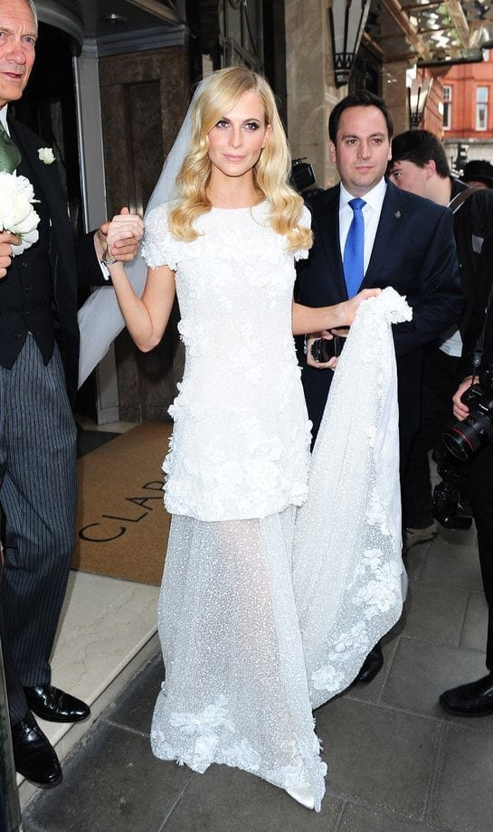 poppy delevingne chanel haute couture wedding dress, abiti da sposa più belli di sempre, best weeding dress of ever, eleonora carisi sposa, eleonora carisi matrimonio, theladycracy.it, elisa bellino, fashion blog 2016, fashion blogger famose 2016, fashion blogger italia 2016, fashion blogger italiane, fashion bloggers 2016,
