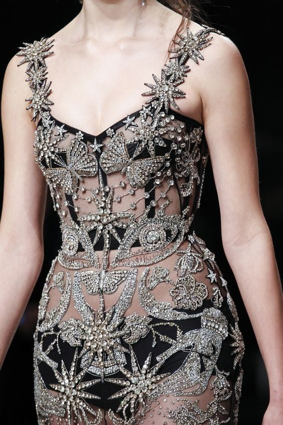 quello che gli abiti non dicono,Alexander mcqueen fall 2016, fetish moda 2016, theladycracy.it, elisa bellino, fashion blog 2016, fashion blogger 2016, fashion blogger italiane, fashion blogger famose, fetish trend 2016, bondage 2016,