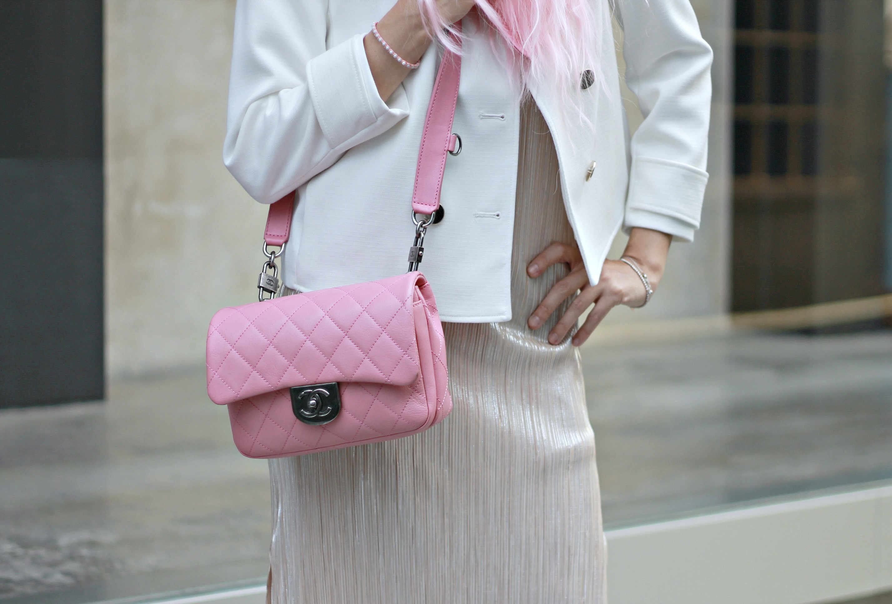 gucci cruise 2017, guccismo, theladycracy.it, elisa bellino, gucci alessandro michele opinioni, outfit blogger estate 2016, come si portano le sneakers con abito, vestito zara 2016, borsa chanel rosa originale, chanel pink bag authentic, pink long hair outfit blogger, kawaii, manga trucco, fondazione prada, fashion blog, fashion blogger italiane, fashion blogger famose 2016, fashion blogger italia 2016, fashion blog 2016, fashion influencer 2016, fashion blogger milano 2016, fashion blogger outfit estate 2016, cosa va di moda, sporty chic outfit estate 2016, reebook classic outfit,