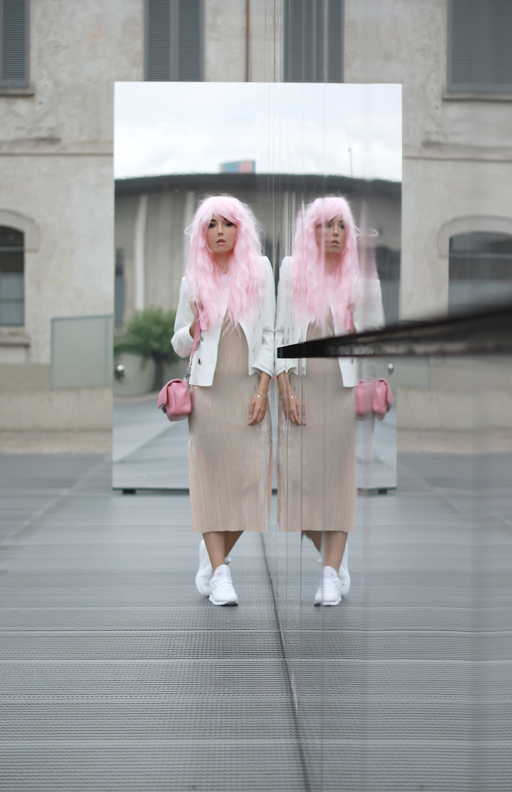 gucci cruise 2017, guccismo, theladycracy.it, elisa bellino, gucci alessandro michele opinioni, outfit blogger estate 2016, come si portano le sneakers con abito, vestito zara 2016, borsa chanel rosa originale, chanel pink bag authentic, pink long hair outfit blogger, kawaii, manga trucco, fondazione prada, fashion blog, fashion blogger italiane, fashion blogger famose 2016, fashion blogger italia 2016, fashion blog 2016, fashion influencer 2016, fashion blogger milano 2016, fashion blogger outfit estate 2016, cosa va di moda, sporty chic outfit estate 2016,