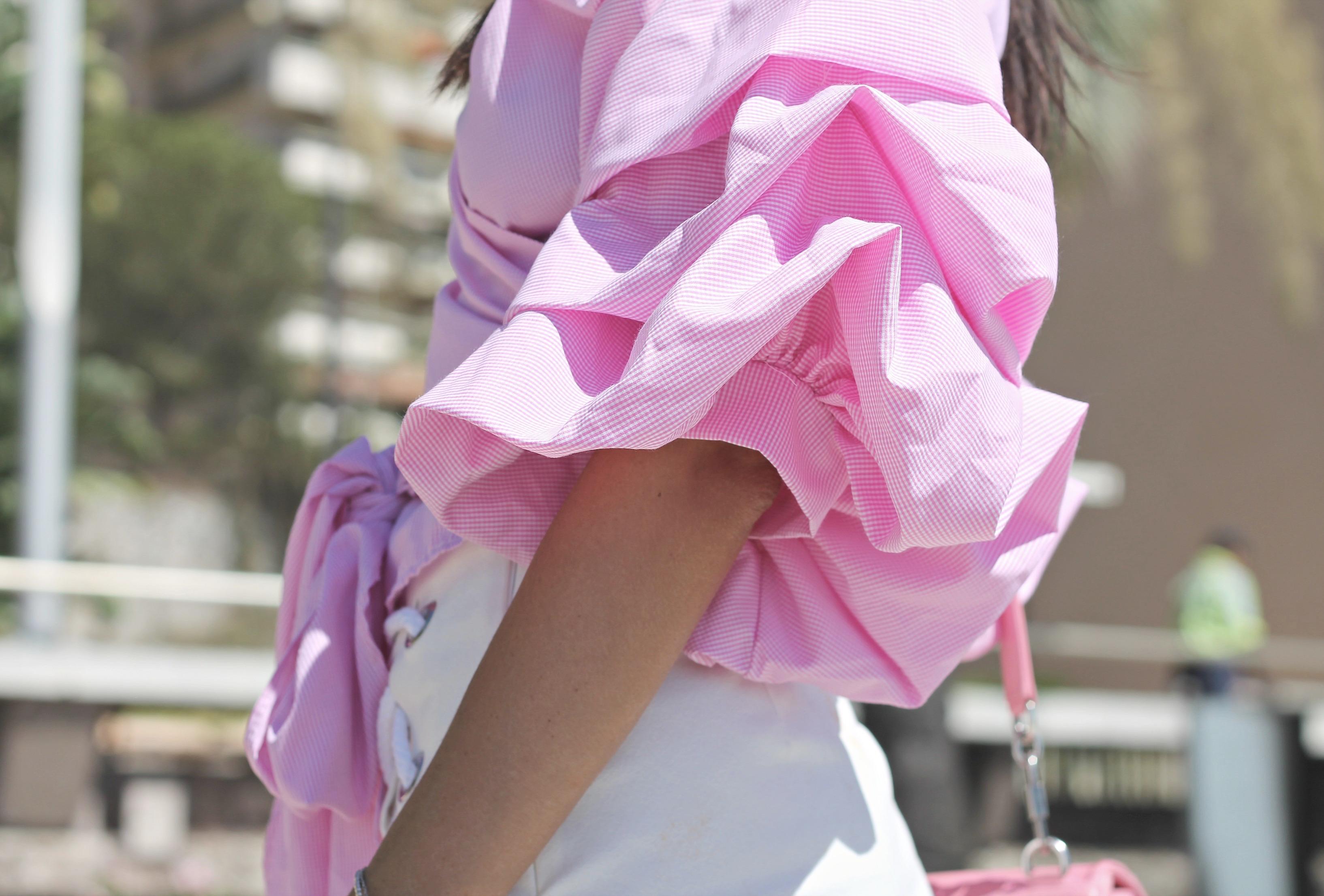 theladycracy.it. ricercare la felicità, ruffle skirt, ruffle style outfit, elisa bellino, fashion blog, fashion blogger italiane, fashion blog 2016, fashion blogger italy, fashion blogger milano, fashion blogger famose 2016, fashion blog moda italia, fashion editorial blogger, style trend 2016, camicia rosa volant, storets skirt, storets skirt, outfit blogger autunno 2016, come indossare il rosa, come si abbina il rosa, sporty chic look 2016, cosa mi metto estate 2016, cosa mi metto settembre 2016, chanel bag pink, skateboard girl, adidas superstar outfit,