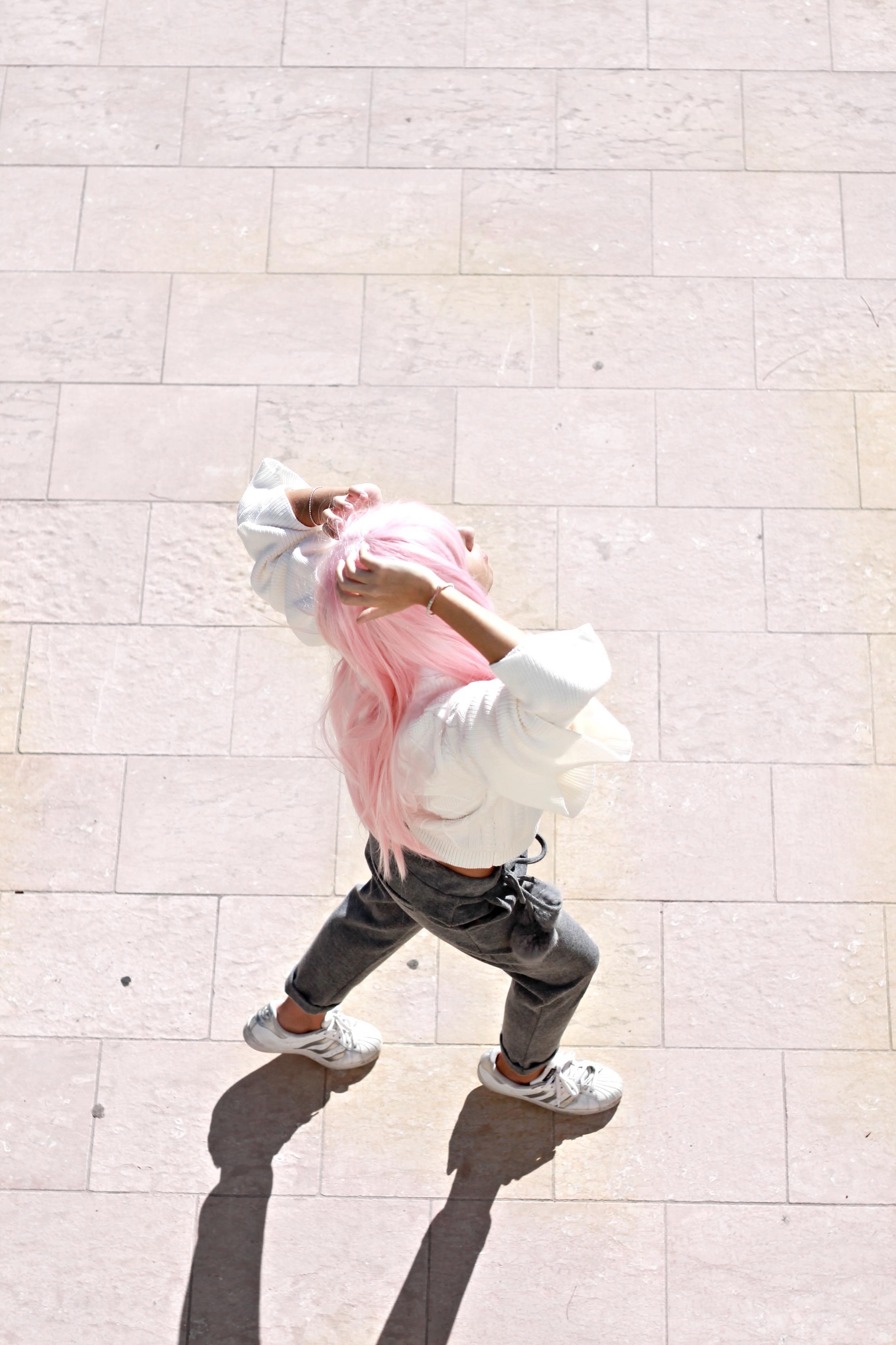 successo fast fashion, manga style blogger, capelli rosa blogger moda, casual chic look autunno inverno 2016, casual chic outfit blogger fall winter 2016, theladycracy.it, elisa bellino, fashion blogger instagram 2016, fashion blogger famose 2016, fashion italiane famose 2016, fashion blogger più seguite 2016, fashion blog 2016, fashion blogger italia 2016, fashion blogger outfit autunno inverno 2016, fashion blogger milano 2016, i love friday outfit, i love friday clothes, sporty chic outfit fall winter 2016, sporty chic look fall 2016, sporty chic blogger 2016, come vestirsi casual inverno 2016, come vestirsi sportive chic autunno inverno 2016, cosa va di moda inverno 2016, pom pom trend 2016