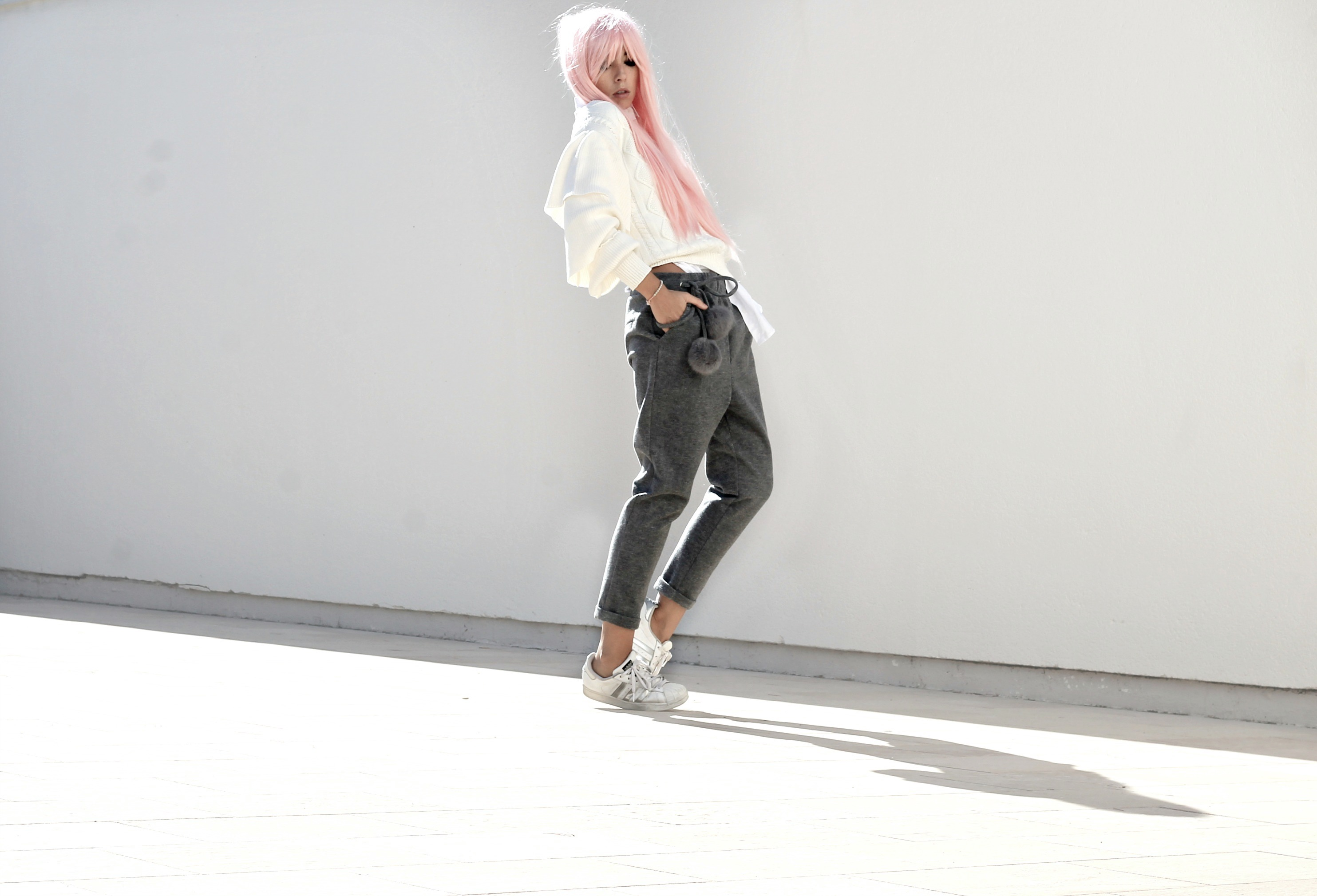 successo fast fashion, manga style blogger, capelli rosa blogger moda, casual chic look autunno inverno 2016, casual chic outfit blogger fall winter 2016, theladycracy.it, elisa bellino, fashion blogger instagram 2016, fashion blogger famose 2016, fashion italiane famose 2016, fashion blogger più seguite 2016, fashion blog 2016, fashion blogger italia 2016, fashion blogger outfit autunno inverno 2016, fashion blogger milano 2016, i love friday outfit, i love friday clothes, sporty chic outfit fall winter 2016, sporty chic look fall 2016, sporty chic blogger 2016, come vestirsi casual inverno 2016, come vestirsi sportive chic autunno inverno 2016, cosa va di moda inverno 2016,